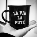MUG >> DEATH BEFORE CAFÉINE <<